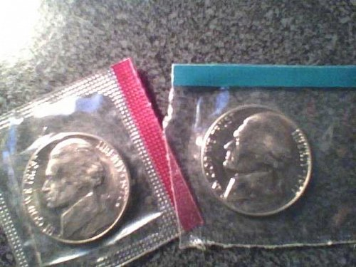 1977 P+D NICKEL SET UNCIRCULATED STILL IN MINT CELLO