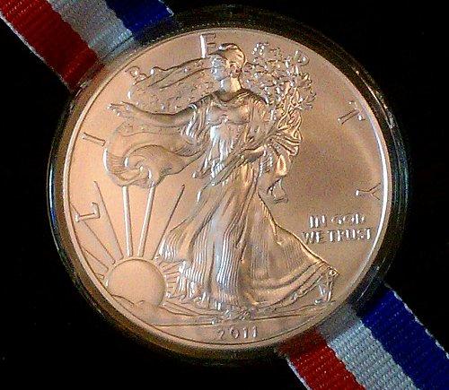 2011 AMERICAN SILVER EAGLE 1 TROY OZ .999 FINE U.S. SILVER BULLION W/FREE SHIP
