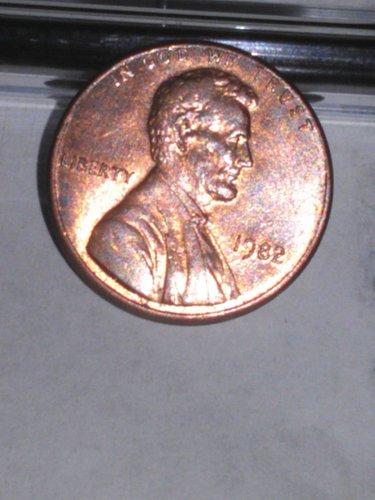 1982 p lincoln memorial cent penny...copper!