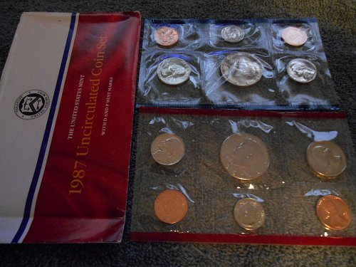 1987 D and P US Mint sets