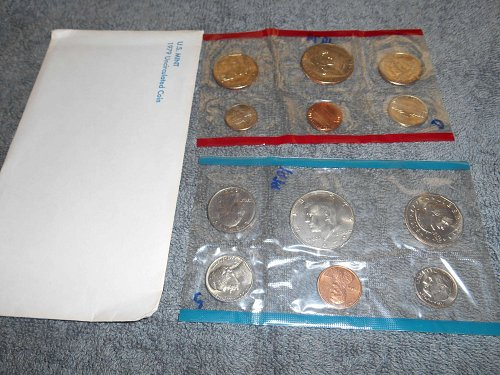 1979 D and P US Mint sets