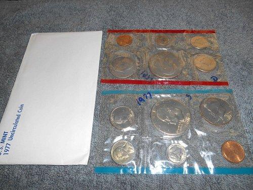1977 D and P   US Mint sets