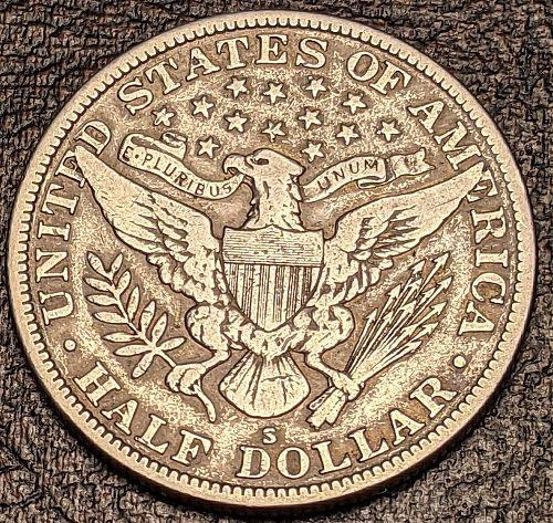 1915S VERY FINE BARBER HALF DOLLAR.