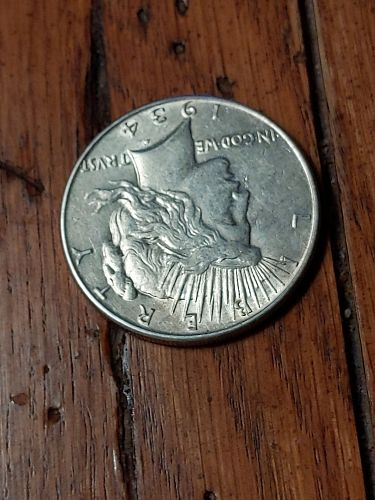 BEAUTIFUL 1934 P PEACE DOLLAR, ONE OF THE LOWEST MINTAGES, VERY COLLECTIBLE.