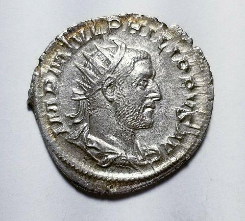 """Antoninianus 244-245 AD. Near Mint Roman Imperial Phillip I """"Arab"""" B87"""