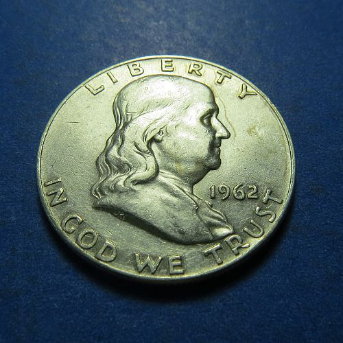 1962-D  FRANKLIN HALF DOLLAR ~ NICE ~ COMB. SHIP. ~ 90% Silver ~ LOT B898