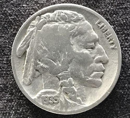 """1935 Indian Head """"Buffalo"""" Nickel --(0826-4)"""