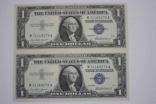 1957 0NE DOLLAR SILVER CERTIFICATES  TWO NOTES CONSECUTIVE