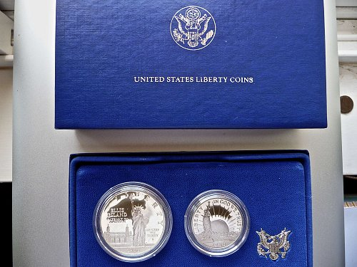 1986   STATUE OF LIBERTY Commemorative Coin Set