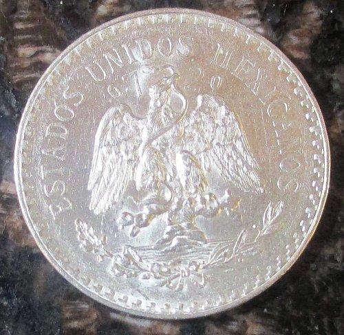 1932 Mexican Silver 1 Peso Silver Cap and Ray **BRILLIANT UNCIRCULATED**