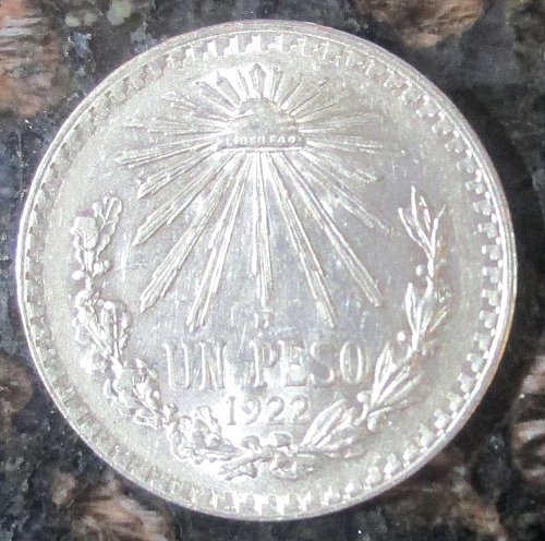 1922 Mexican Silver 1 Peso Silver Cap and Ray **VERY FINE**