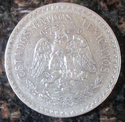 1925 Mexican Silver 1 Peso Silver Cap and Ray **VERY FINE**