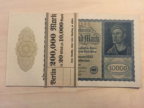 Original Pack of 200,000 reichsmarks 1922 ***Consecutive Serial Numbers***