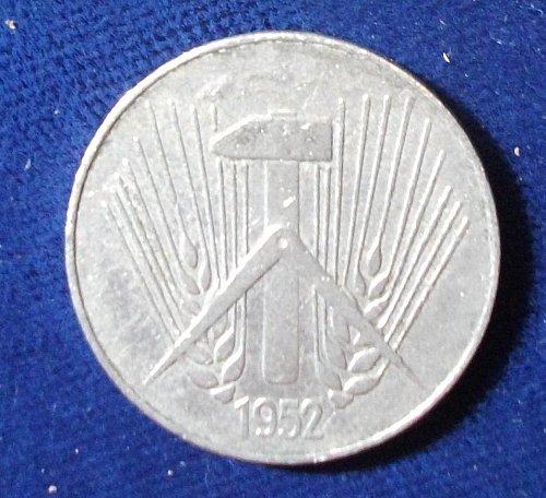 1952E East Germany 10 Pfennig VF