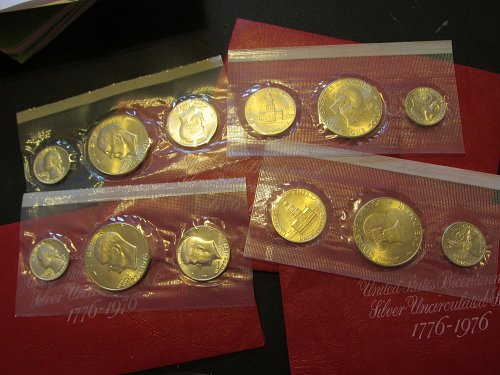 US Bicentennial silver Uncirculated set 1776-1976  mint  , four sets what a deal