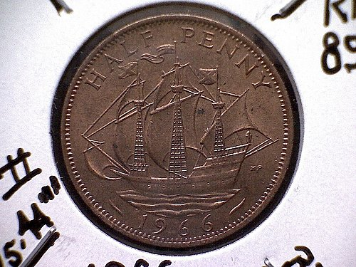 1966 GREAT BRITAIN QUEEN ELIZABETH 11  HALF PENNY