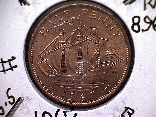 1967 GREAT BRITAIN QUEEN ELIZABETH 11 HALF PENNY