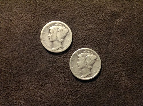 Lot of 2 mercury dimes C 1935, and 1936