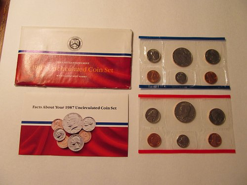 1987 US Mint Uncirculated coin set