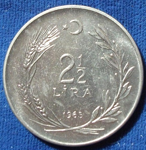 1965 Turkey 2 1/2 Lira UNC