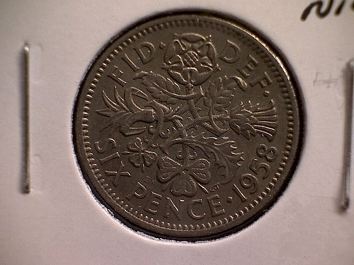 1958 GREAT BRITAIN SIX PENCE  QUEEN ELIZABETH 11