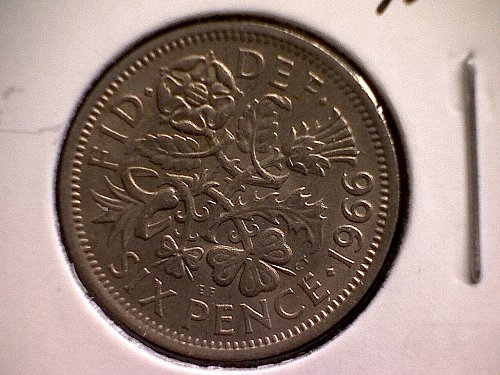 1966 GREAT BRITAIN SIX PENCE  QUEEN ELIZABETH 11