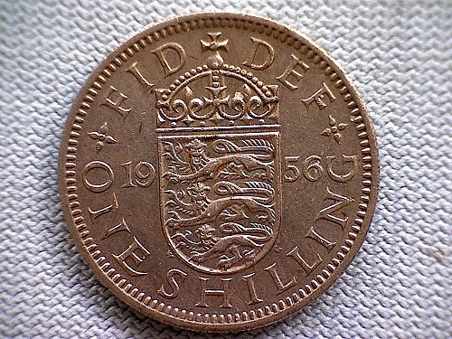 "1956 GREAT BRITAIN ONE SHILLING QUEEN ELIZABETH 11  "" ENGLISH SHIELD"""
