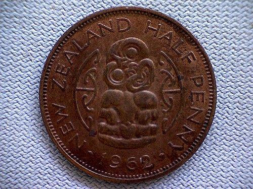 1962 NEW ZEALAND HALF PENNY