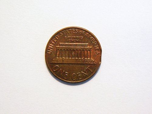 1977-P Lincoln Memorial Cent Clipped Planchet Error Coin