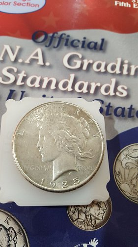Very nice 1925 Peace Dollar