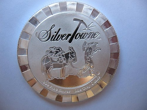 SilverTowne .999 1 Troy Oz Silver Poker Chip. Totally Awesome.