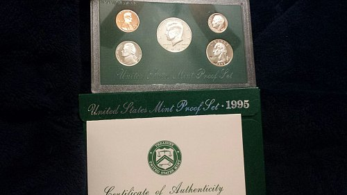 1995 U S Mint Proof Set with Certificate of Authenticity