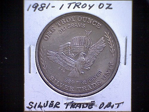 1981 CARSON CITY MINT SILVER TRADE UNIT