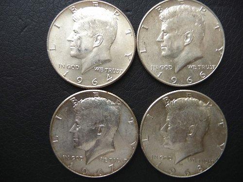 ( 4 ) Kennedy Half Dollars Silver