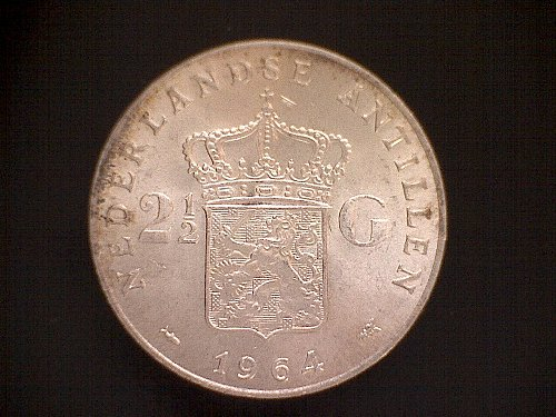 "1964 NETHERLANDS ANTILLES  TWO & ONE HALF GULDEN  ""SILVER"