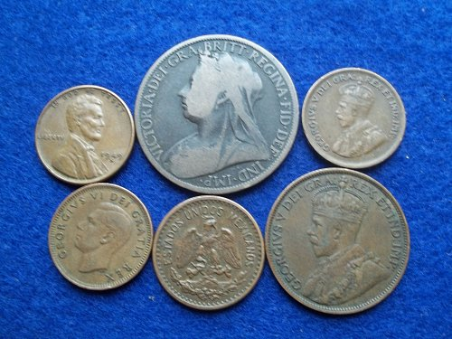 ASSORTED WORLD COIN 1 CENT LOT contains 6 different coins