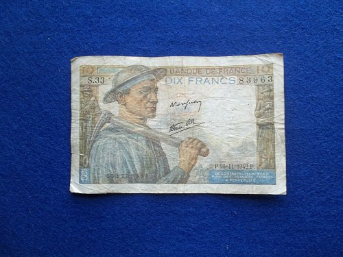 FRANCE 1942 10 FRANCS WORLD WAR 2 PAPER MONEY