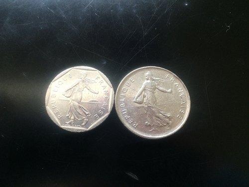 1981 2 FRANCS AND 1970 5 FRANCS