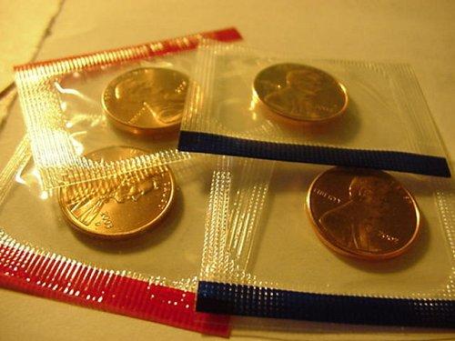 2 sets of mint pennys 2003P&D,2004P&D