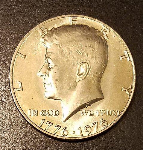 1976 Kennedy Bicentennial Half Dollar (7420)