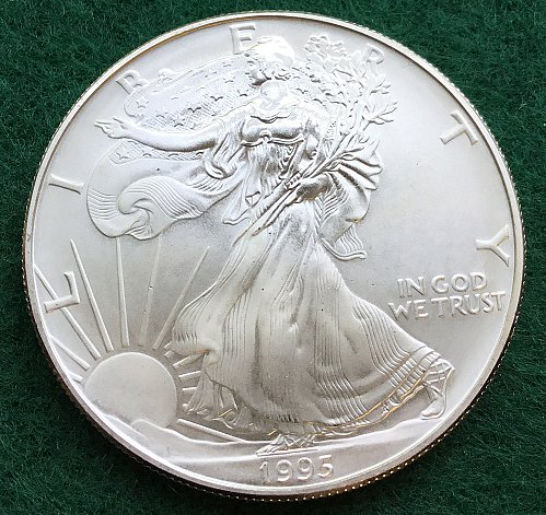1995 Silver American Eagle- Uncirculated   /  DR-54
