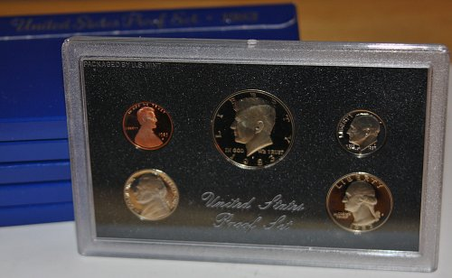 COLLECTIBLE 1983 S PROOF COIN SET....ONE COIN SET....