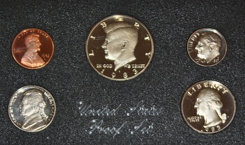 COLLECTIBLE 1983 S PROOF COIN SET....ONE COIN SET...