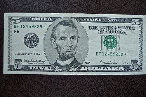 $5.00 1999  Star note