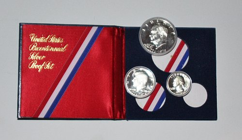 *SILVER* COLLECTIBLE 1776-1976 BICENTENNIAL 3 COIN PROOF SET FULLY ORIGINAL BOX
