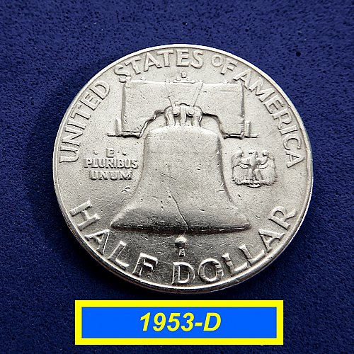 1953-D  HALF DOLLAR ☆ Circulated  ☆  (#1167)a