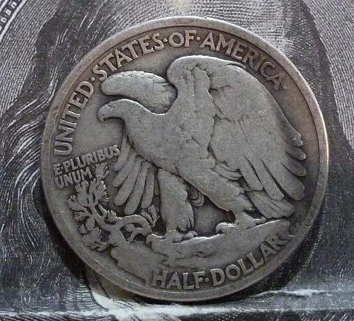 1920 P Walking Liberty Half Dollar in Fine Grade ( 6040 )