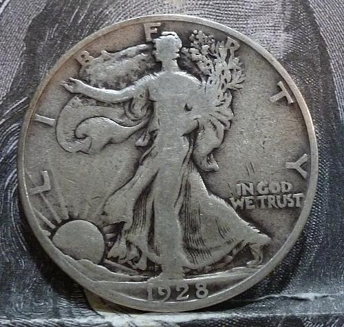 1928 S Walking Liberty Half Dollar in Very Good Grade ( 6048 )