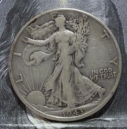 1943 S Walking Liberty Half Dollar in Extra Fine Grade ( 6011 )