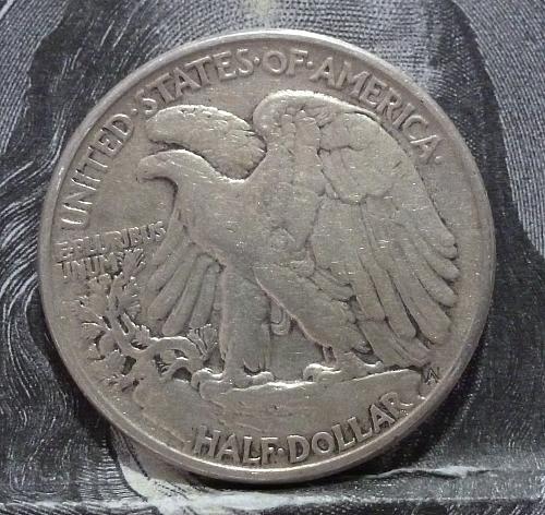 1944 P Walking Liberty Half Dollar in Extra Fine Grade ( 6010 )
